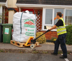 Jumbo Bag delivery by pallet truck